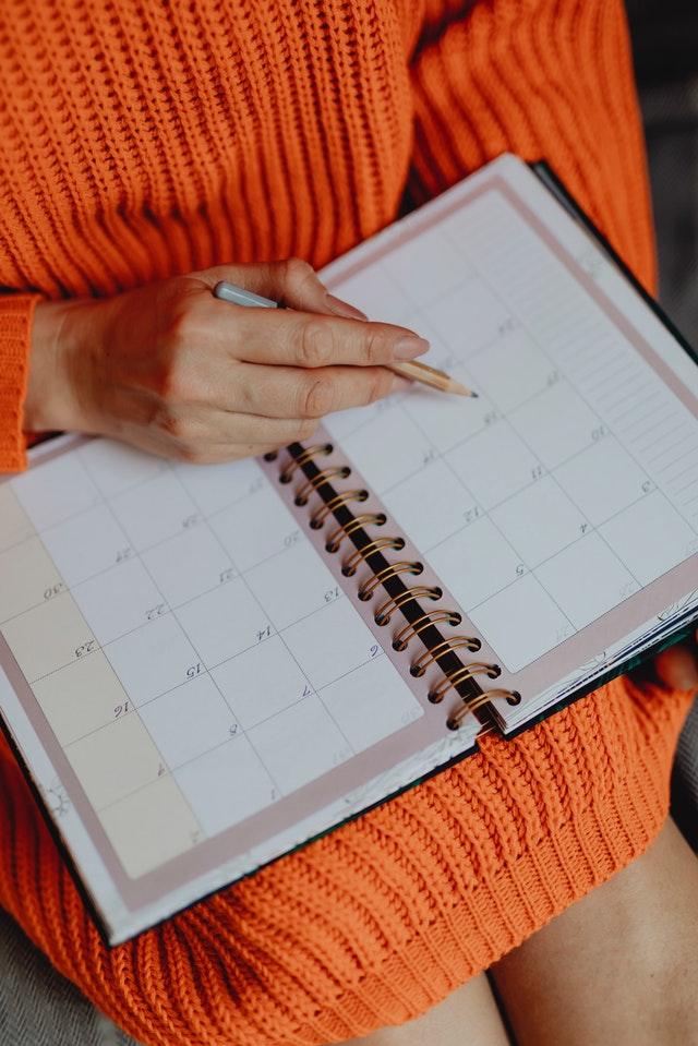 adult-agenda-calendar-1902752.jpg