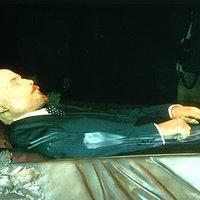 Ismeretlen szerző: Vendégkönyv – Lenin élt, Lenin él, Lenin élni fog