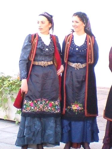 görög és cigány nő.jpg