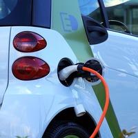 A német kormány akár 6000 euróval támogatja az elektromos autót vásárlókat