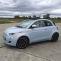 Fiat 500e: imádnivaló, igényes kis autó borsos áron