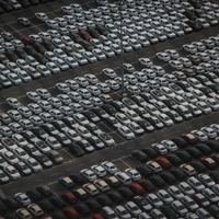 Mi lenne, ha új alapokra helyeznénk az autógyártást?