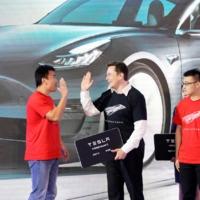 A Fiat-Chrysler konszernnel kötött üzletből befolyó pénzzel épül a Tesla új berlini gyára