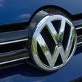 Friss autóipari hírek: Diess marad a VW élén, a Tesla ér a legtöbbet