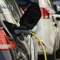 Mikor lesz belsőégésű motoros autó áron az új villanyautó?
