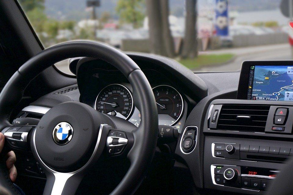 car-1281640_960_720.jpg