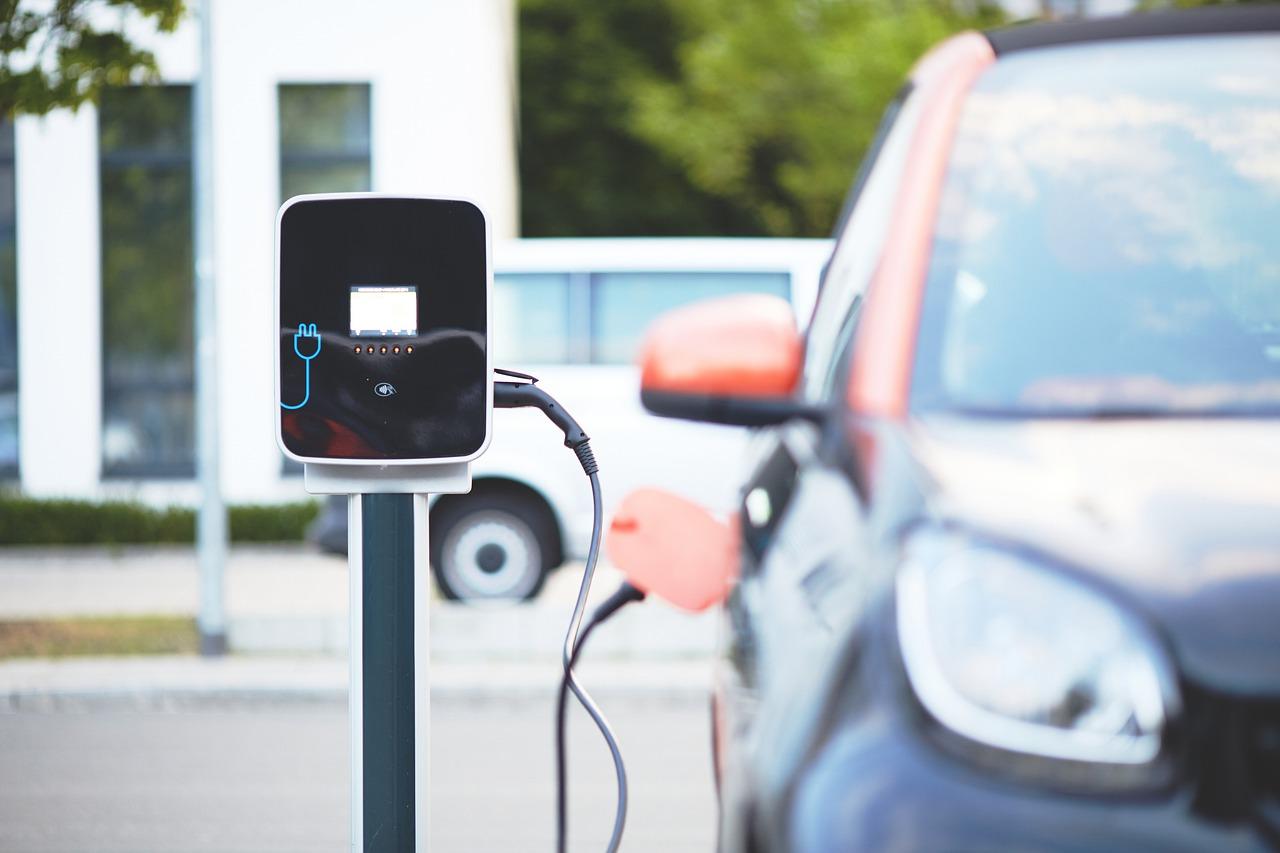 electric-car-4381728_1280.jpg