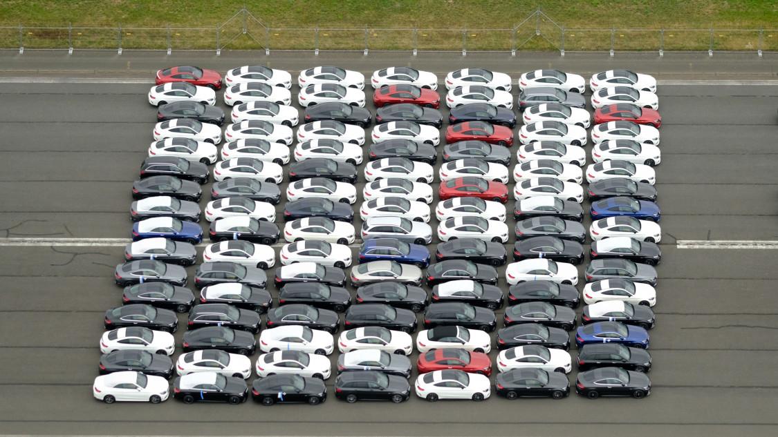 magyar-uj-auto-forgalomba-helyezes-uj-auto-piac-395322.jpg