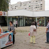 Politikai körtánc a zuglói Civilház körül