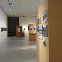 Ingyenesen elérhető fotókból állítottak össze egy kiállítást, és nagyon jó