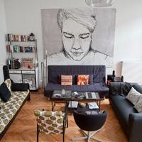 Menő budapesti lakások: zongorából könyvszekrény