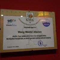 Egymilliót adott az éhes gyerekeknek Budapest legmenőbb kínai séfje