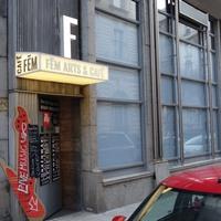 Budapest legújabb színházában jártam, amit néhány ember épített egy szenespincéből