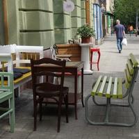 Székek a Bartókon, avagy hányféleképp ülhetünk le egy utcában