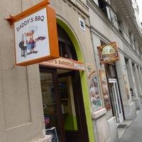 Nyilván Fülöp-szigeteki étterem is van Budapesten, miért pont az ne lenne?