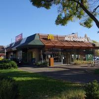 Van Budapesten egy McDonald's, ahol a takarító egy főúr
