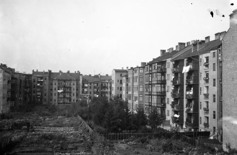 1934.jpg