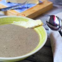 Almás-áfonyás gombakrém leves brie sajttal