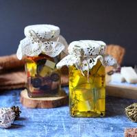 Olajban eltett sajtos finomságok