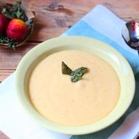 Hűsítő őszibarack leves