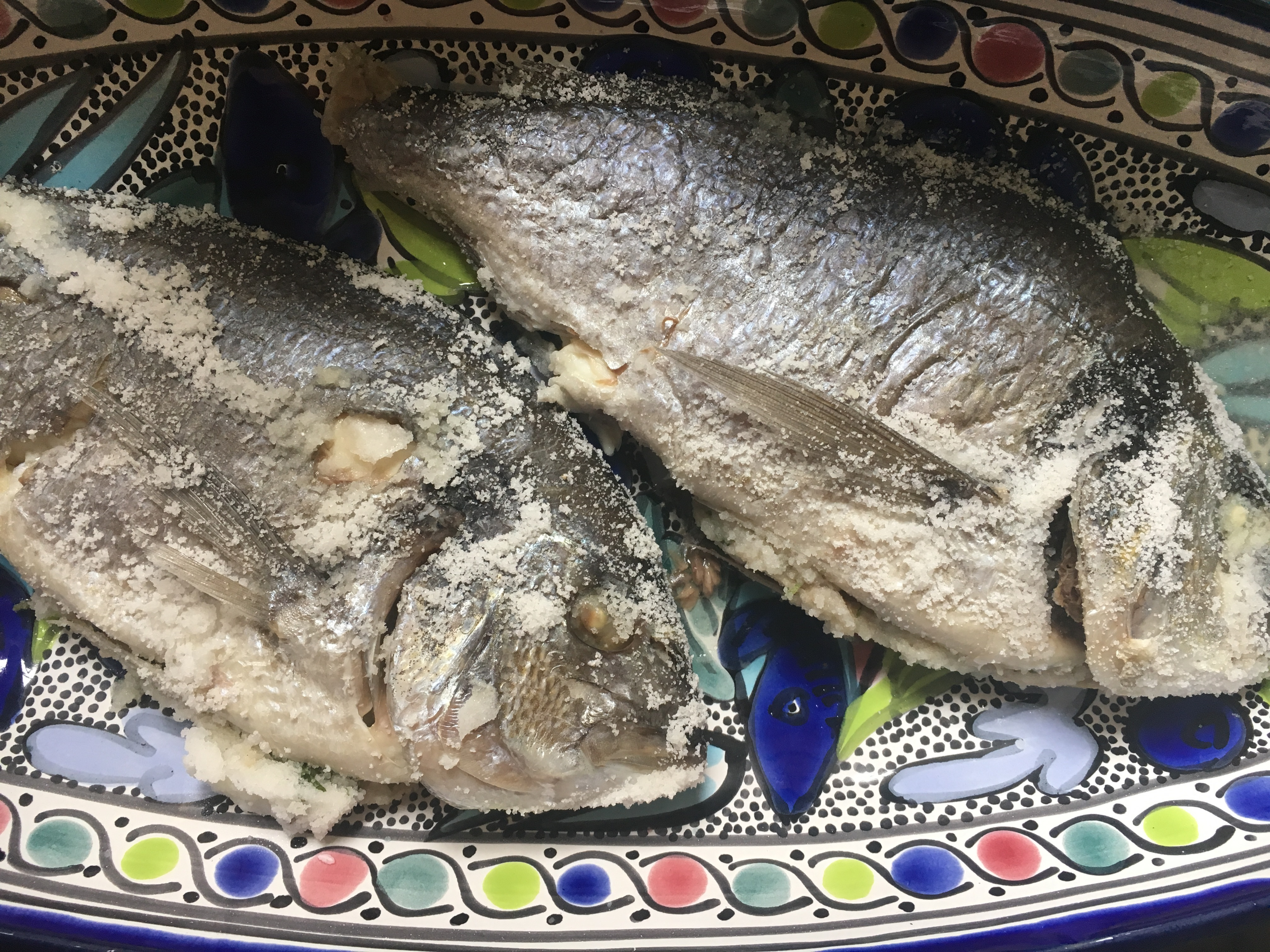 Sókéreg alatt sült hal