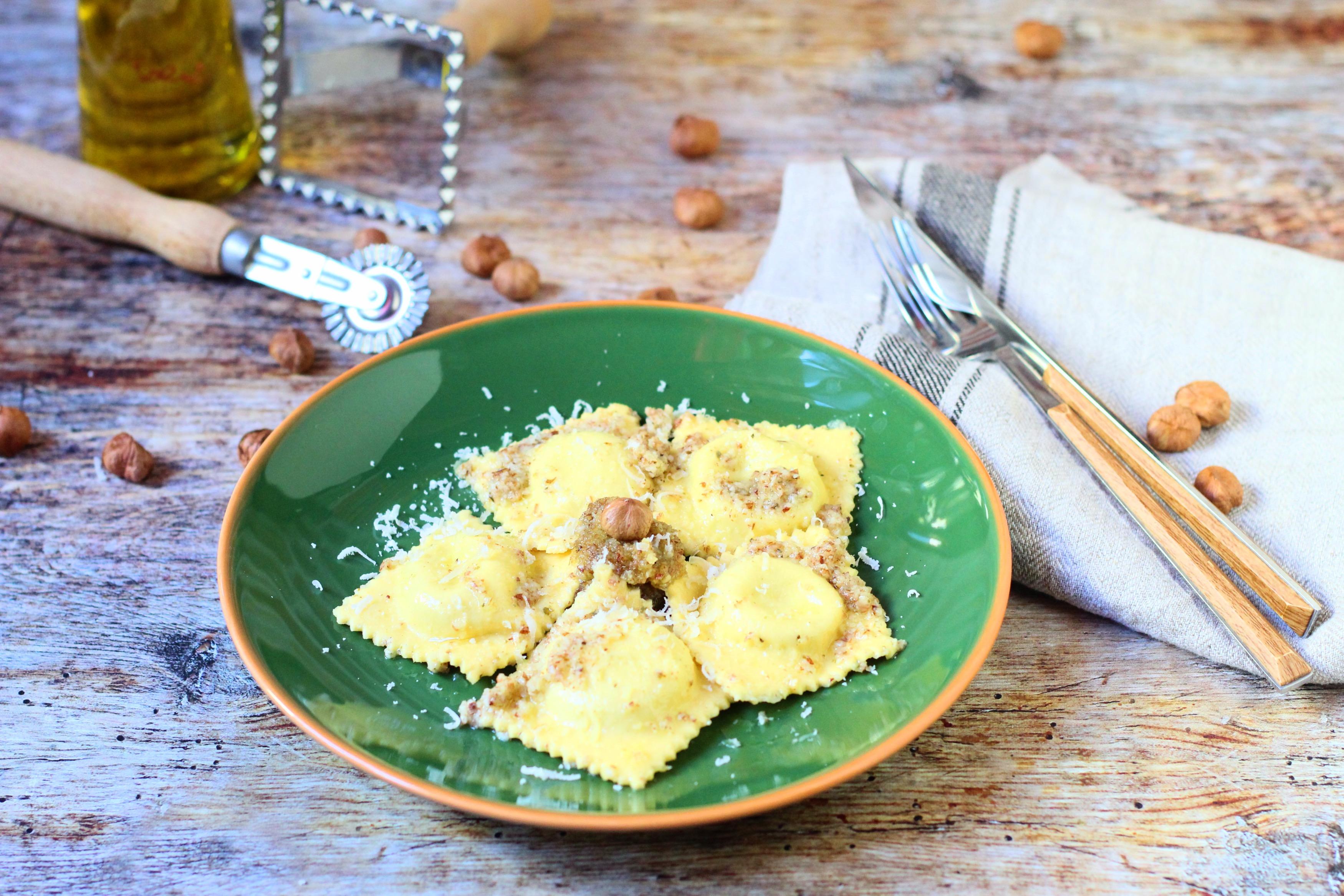 Gorgonzolás ravioli mogyoró pestóval