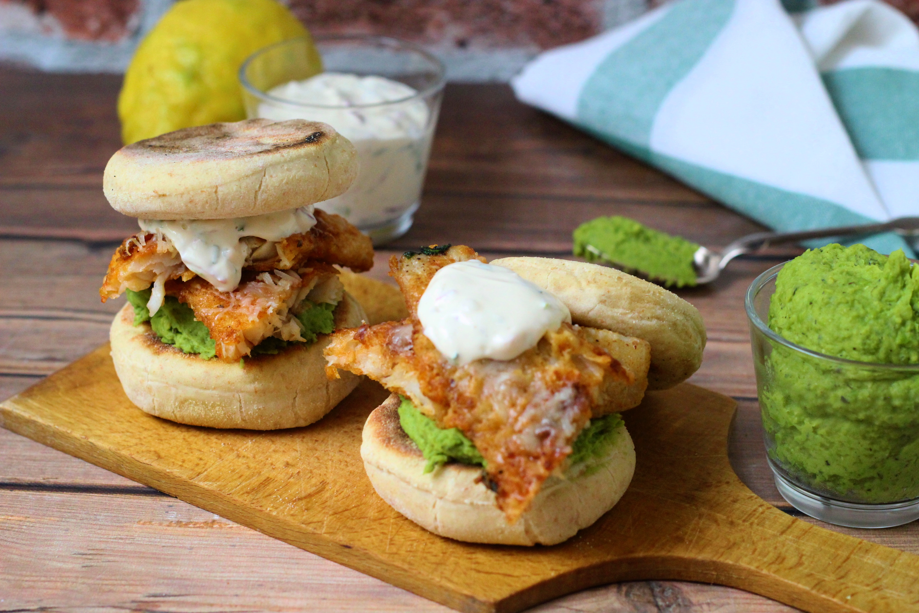 Bundázott hal angol muffinnal - A fish burger és a fish and chips keveréke