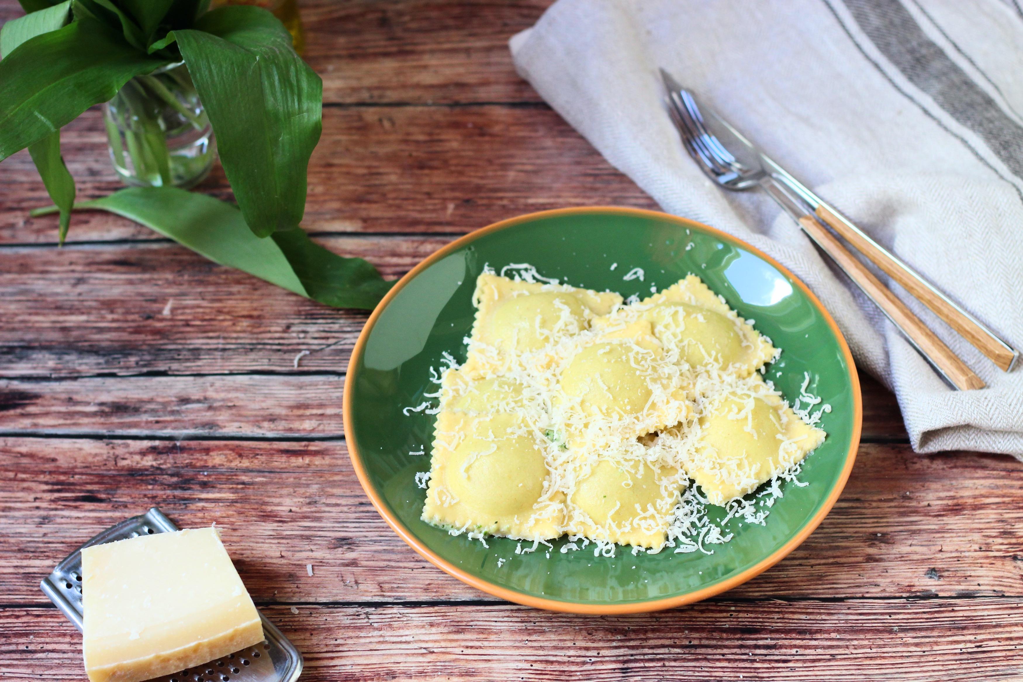 Ravioli medvehagyma pestós sajtkrémmel
