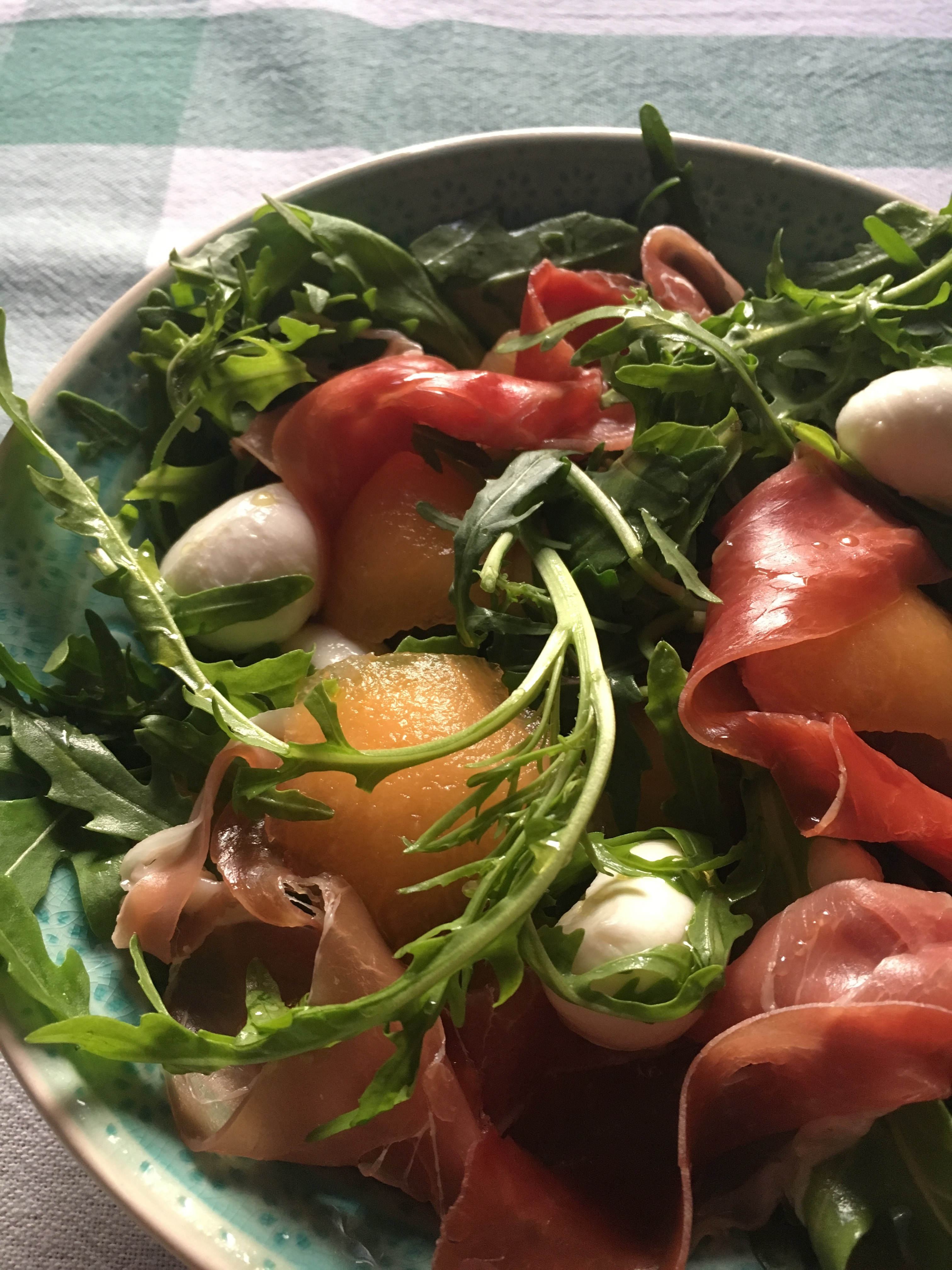 Ruccolás sárgadinnye saláta