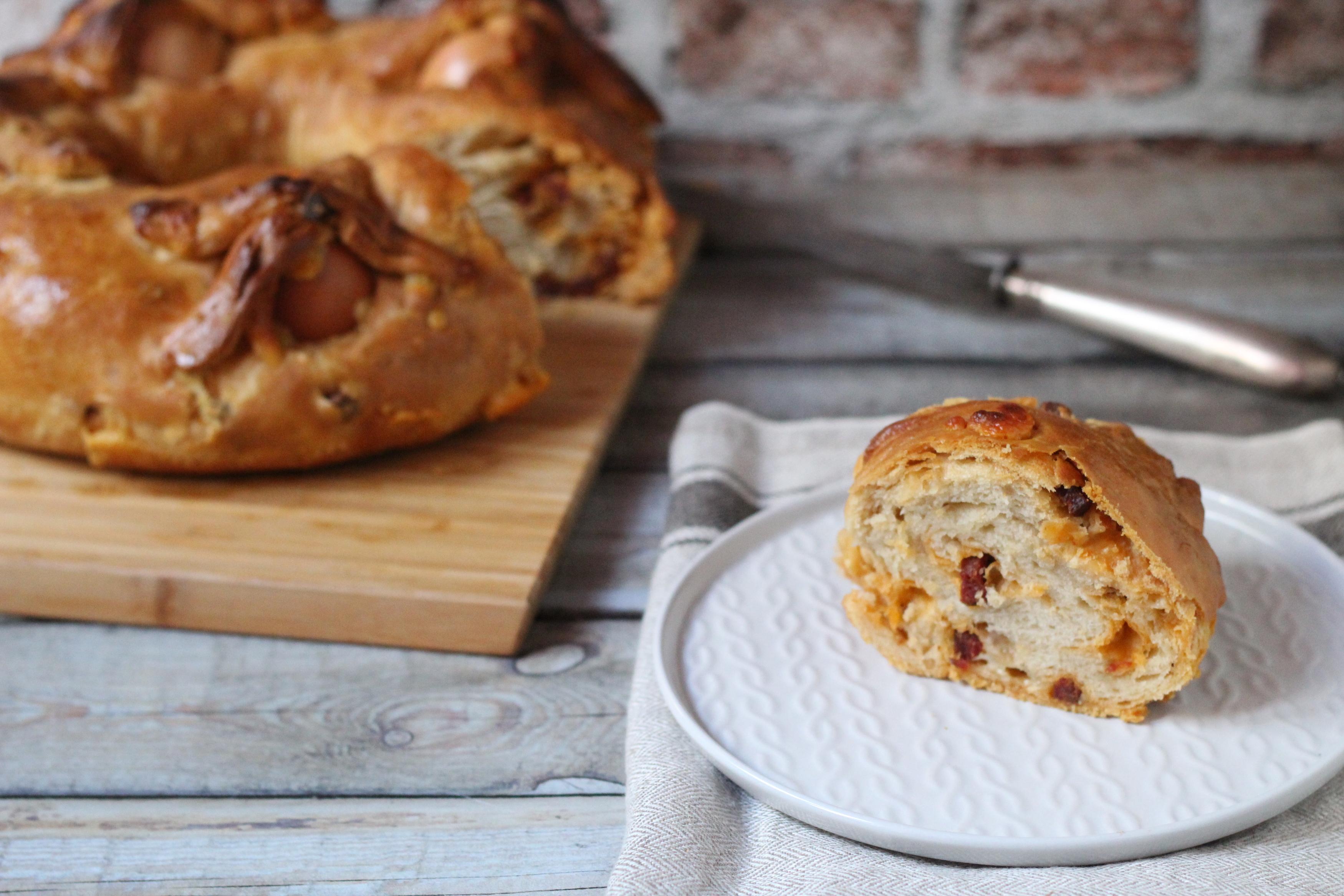Casatiello Napoletana - Nápolyi kenyér szalámival és sajttal töltve