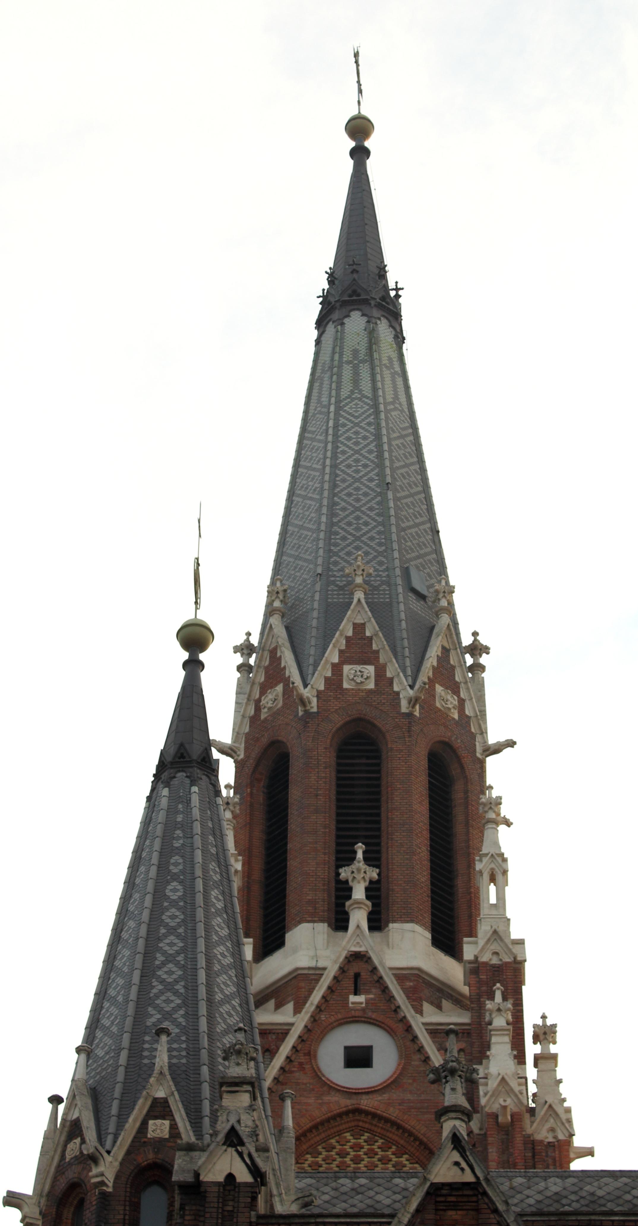 Rózsafüzér Királynéja Templom, Thököly út. Stílus: neogótika, építész: Hofhauser Antal.