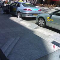 Pesti Broadway - kihaénnem drosztolók