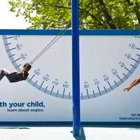 Köztéri óriásplakát kampány, ami a szülő-gyermek kapcsolatra épít
