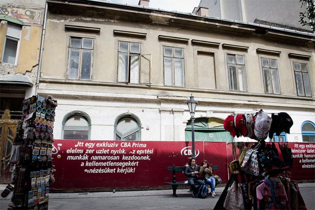 vaci_utca_cba.jpg