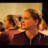 Közéletről, demokráciáról és hajléktalanságról - Udvarhelyi Tessza a Rádió Q-ban