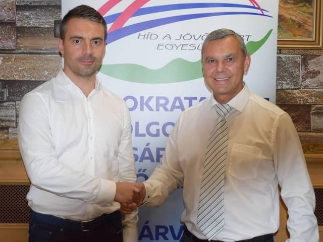 Szabálytalanságok sora a sárvári ellenzék kampányában