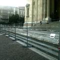 Ne ülj a lépcsőre! - üzeni ez a kedves város a lakóinak és a turistáknak