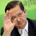 Illés Zoltán 1998 óta másolja a vagyonnyilatkozatát