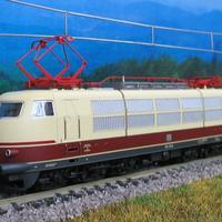 DB BR103 a Tillig és a Beckmann együttműködésében