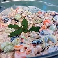 Joghurtos csicseriborsó saláta (vegán)