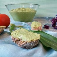 Medvehagymás szendvicskrém (vegán)
