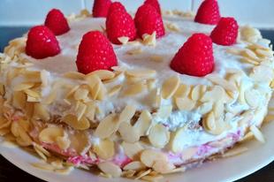 Málnás torta mandulával (vegán)