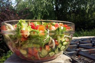 Frissítő nyári saláta