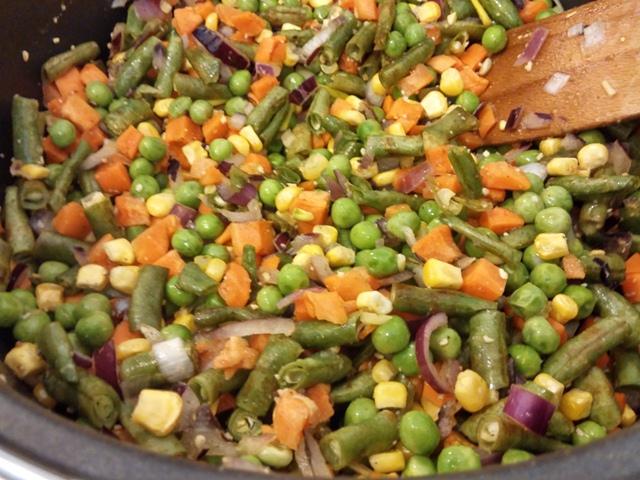 zöldségek pörkölthöz.jpg
