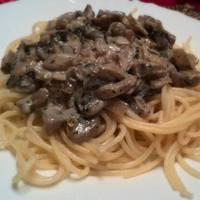 Fehérboros-tejszínes gomba spagettivel