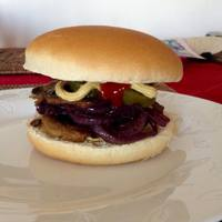 Szejtánburger vörösboros gombával