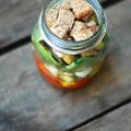 saláta a befőttesüvegben