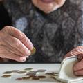 Bér- és nyugdíjkiegészítést követel a MASZSZ