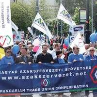 Nekünk a magyar dolgozó az első!