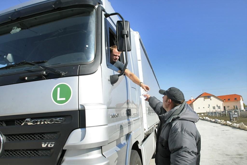 jövedelem a kamionosok számára)
